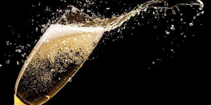 Установлены минимальные цены на шампанское